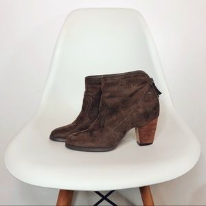 Crown Vintage Kalila Faux Suede Zipper Boots